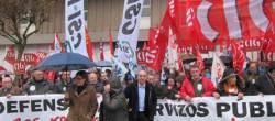 Protestas contra os orzamentos ante o Parlamento porque afondan nos recortes