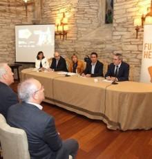 Nava Castro destaca a proxección internacional do Camiño de Santiago na presentación de 'El Camino acaba en Obradoiro'