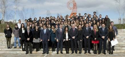 Feijóo preside o acto de entrega dos diplomas das Bolsas de Excelencia para a Mocidade Exterior