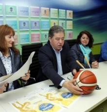 """Marta Míguez destaca a """"excelencia organizativa que ofrecen as institucións e administracións galegas"""" na presentación do Campionato de España de Baloncesto Infantil Feminino"""