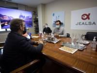 Feijóo garante o apoio da Xunta a Jealsa tralo incendio de parte das súas instalacións