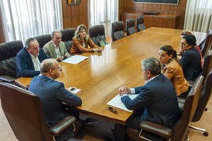 Reunión con alcaldes, docentes e nais
