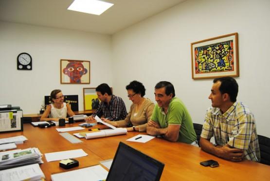 Encarnación Rivas e Julio César García-Luengo na reunión