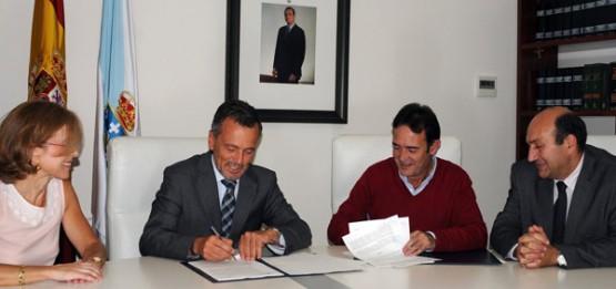 Sinatura do convenio de colaboración para o acondicionamento dun viario no núcleo de Romariz