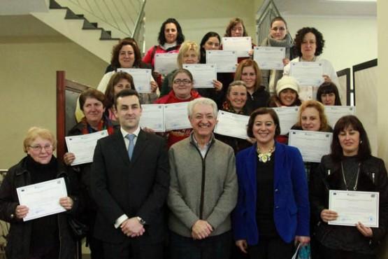 Entrega de diplomas ás participantes