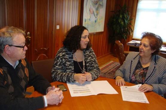 Reunión da alcaldesa de Cerdido e a delegada territorial da Xunta na Coruña