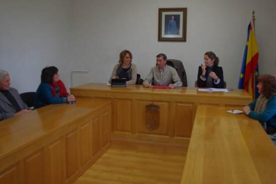 Raquel Arias durante a xuntanza