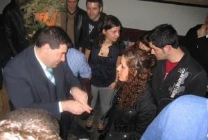 Miguel Anxo Bastos con algúns dos seus alumnos