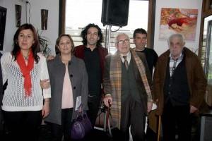 Manoele de Felisa acompañado polos escritores; Xosé Neira Vilas, Xosé Luna e Rosalía Morlán ademais doutros amigos