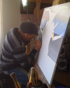 Scorpio traballando nunha das súas obras