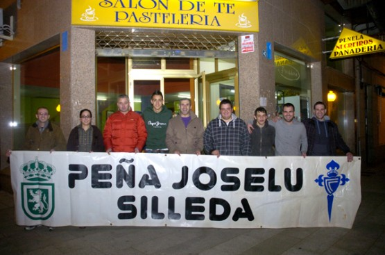 Joselu é moi querido en Silleda, onde hai unha Peña que leva os eu nome