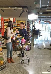 """Santi Romay e Sabela Arán nunha escena da webserie """"Clases do Social"""""""