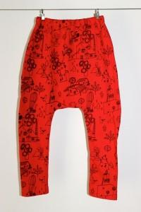 Pantalón vermello de Racataplan