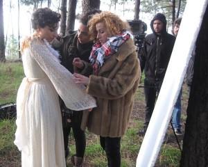 Nastasia Zürcher acompañada do equipo de gravación do videoclip 'Voar'. Foto de Teresa Pece