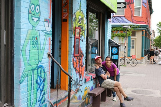 Andrea e Cándido no barrio Plateau (Quebec)