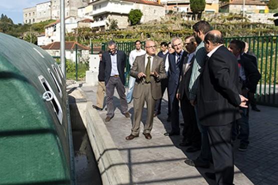 Manuel Baltar na visita á depuradora