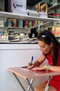 maria-canosa-asina-libros-foto-de-alba-rodriguez