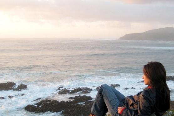 maria-canosa-mirando-ao-mar
