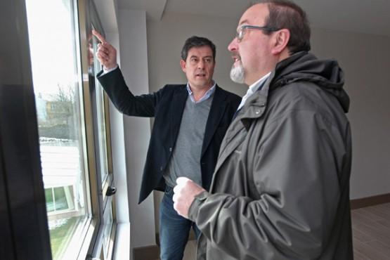 Besteiro e o alcalde da Fonsagrada na visita ás instalacións