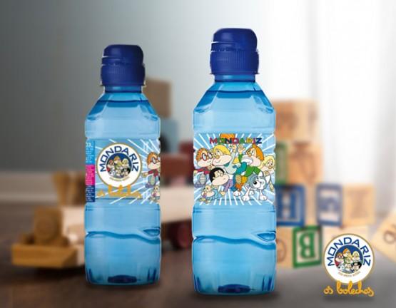 Botella de auga coa imaxe dos Bolechas