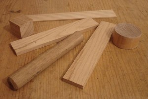 carraca-de-madeira-material