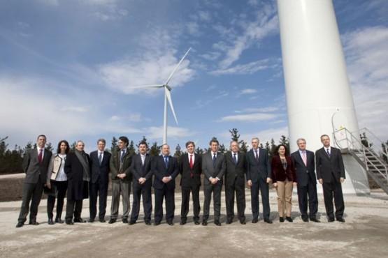 Comitiva na inauguración do parque eólico. Foto: A. Varela