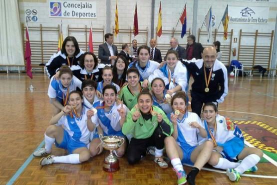 María Arias co equipo da selección