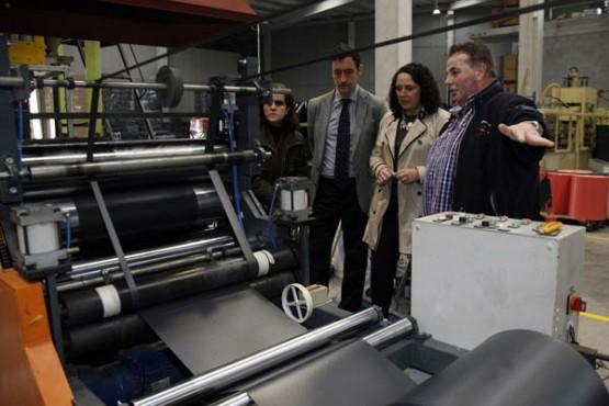Javier Aguilera na visita ás instalacións