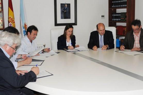 Ethel Vázquez na reunión cos alcaldes de Cortegada, Sarreaus, Vilardevós e Riós