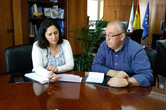 Belén do Campo na reunión co alcalde da Baña