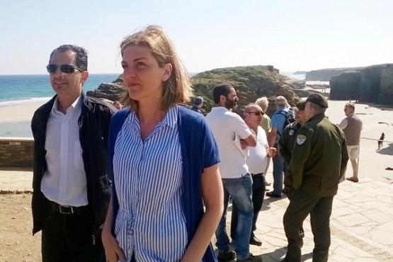 A directora xeral de Conservación na praia das Catedrais
