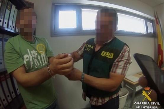 Detención do veterinario