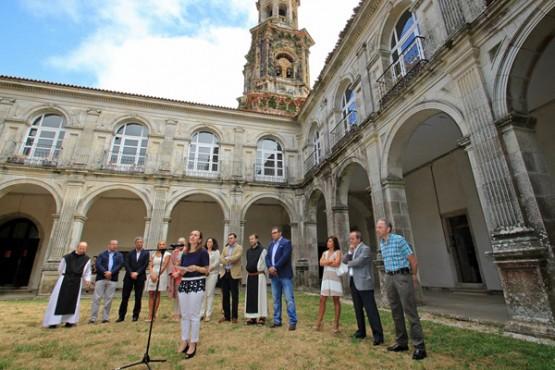 Román Rodríguez e Ethel Vázquez no Mosteiro de Sobrado dos Monxes