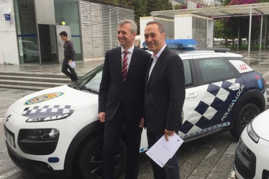 Entrega do novo vehículo para a Policía Local de Soutomaior