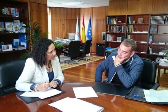 Belén do Campo na reunión co alcalde de Cerdido