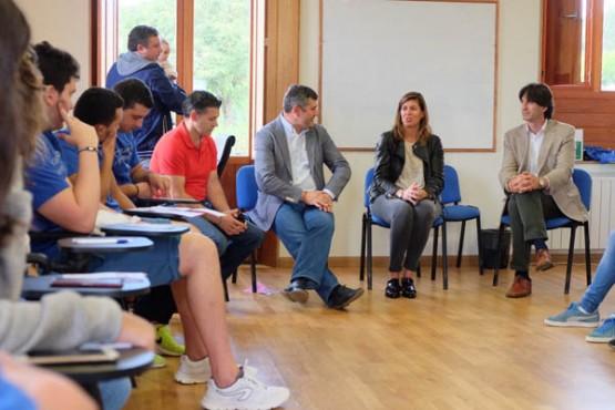 Cecilia Vázquez na visita aos participantes
