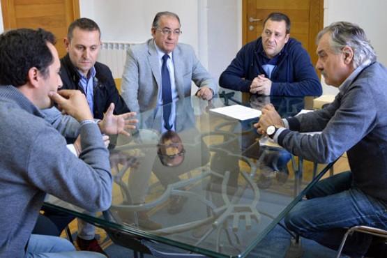 O alcalde de Caldas na reunión