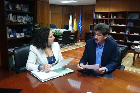 Belén do Campo na reunión co alcalde de Dumbría