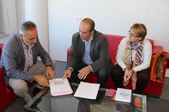 Cores Tourís na reunión co alcalde de Mondariz