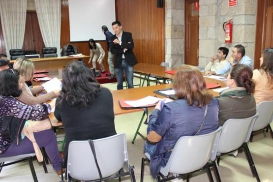 Visita do alcalde aos participantes no curso