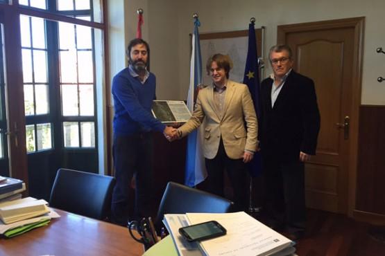 O director da Axencia Galega de Infraestruturas co alcalde de Vilasantar