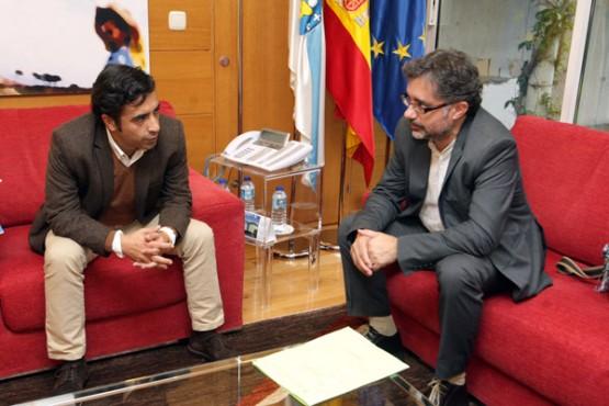 Rey Varela na reunión co alcalde das Neves
