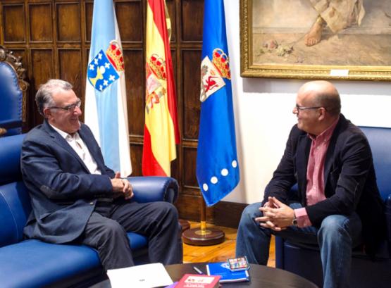 Manuel Baltar na reunión co alcalde do Barco