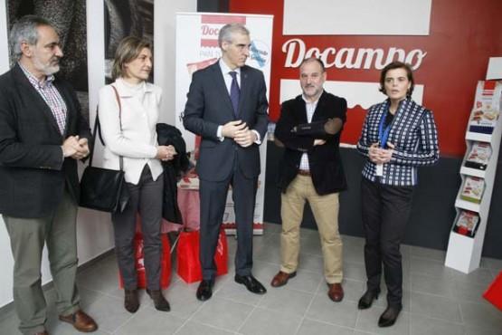 Francisco Conde na visita ao grupo Docampo