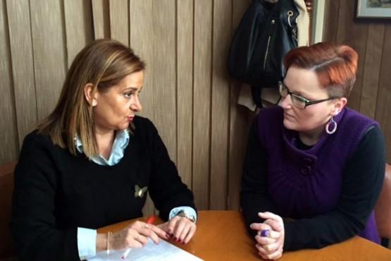 Carmela Silva na reunión coa alcaldesa de Pontecesures