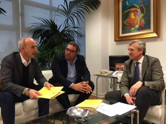 Alfonso Rueda na reunión cos alcaldes de Curtis e Sobrado