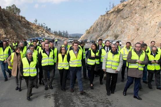 O presidente da Xunta na visita ás obras da autovía. Foto: X. Crespo