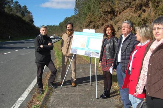 Marisol Díaz na visita á estrada OU-504