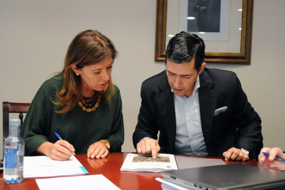 Beatriz Mato na reunión co alcalde de San Amaro
