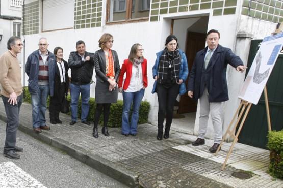 Ethel Vázquez na xuntanza coa alcaldesa de Mondoñedo